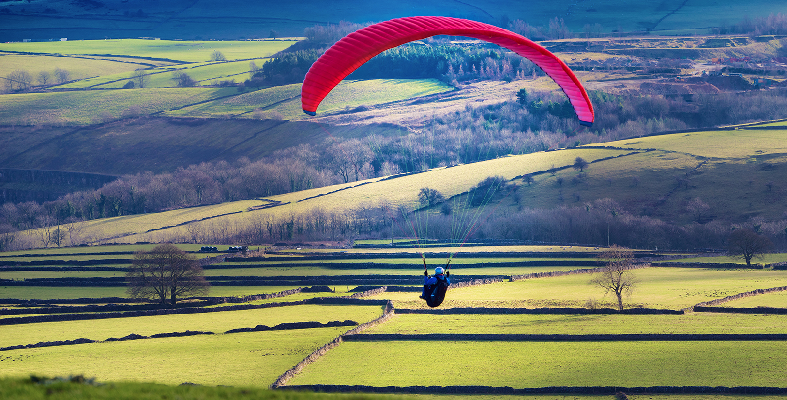 Paragliding in the Peak District