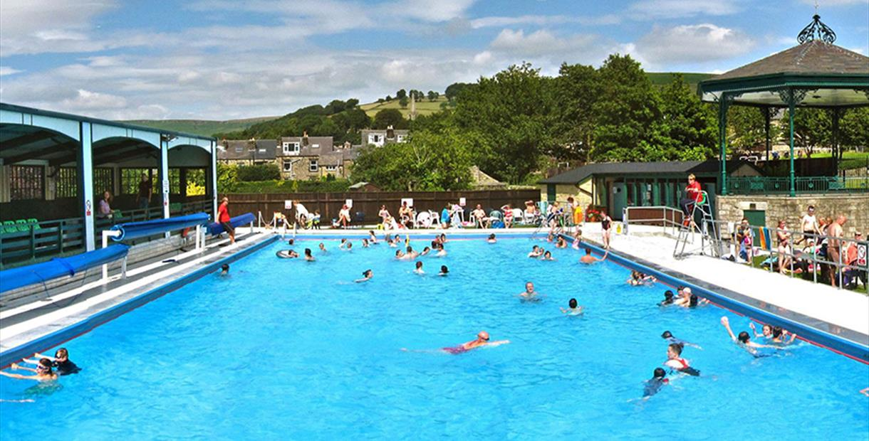 Hathersage Swimming Pool (outdoor) - Things To Do in The Peak District and  Derbyshire