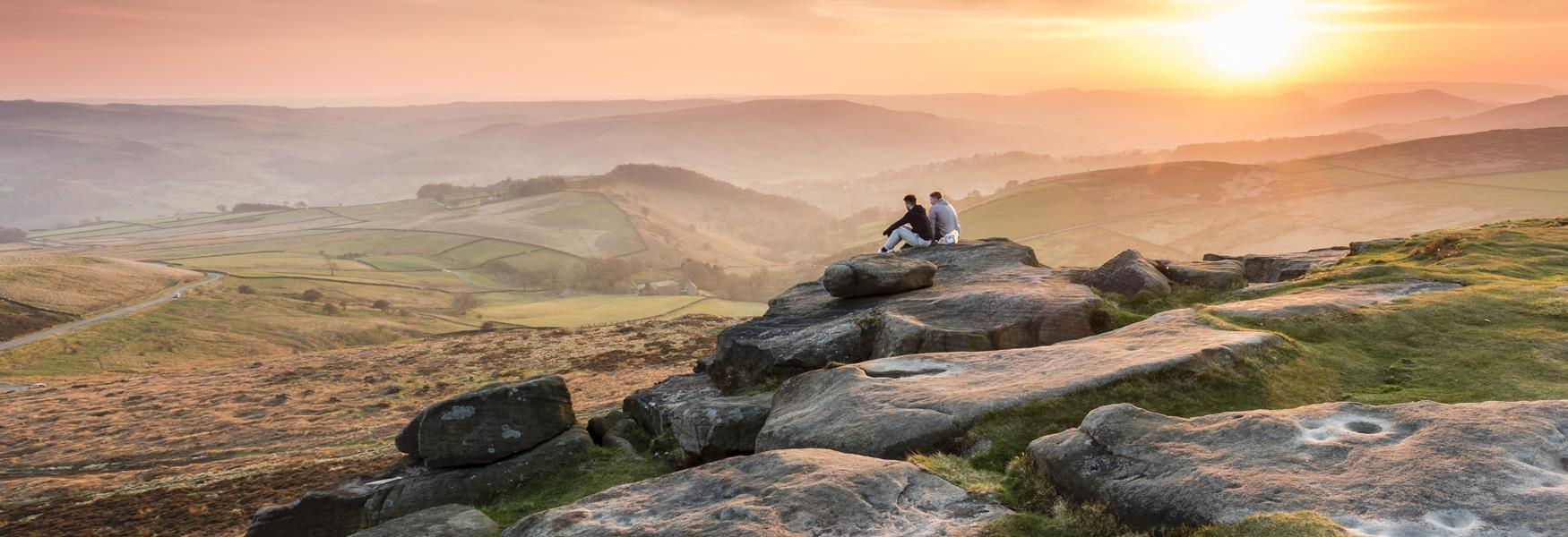 Discover the Peak District on foot