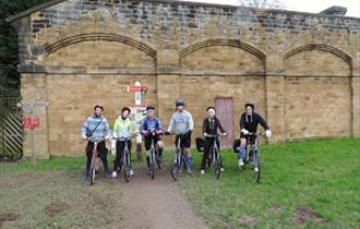 Group-starting on the Monsal Trail