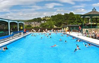 Hathersage Swimming Pool (outdoor)