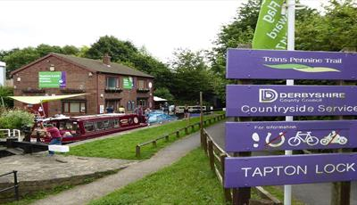 Chesterfield Canal & Tapton Lock Visitor Centre