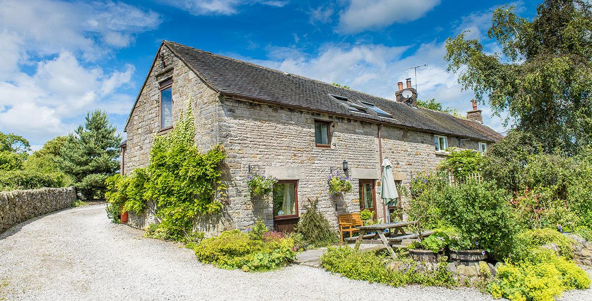 Croft House Barn Peak District National Park Holiday Cottage in Waterfall, near Ashbourne