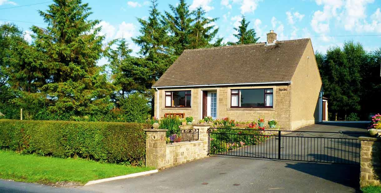 Detached bungalow on the outskirts of Bakewell