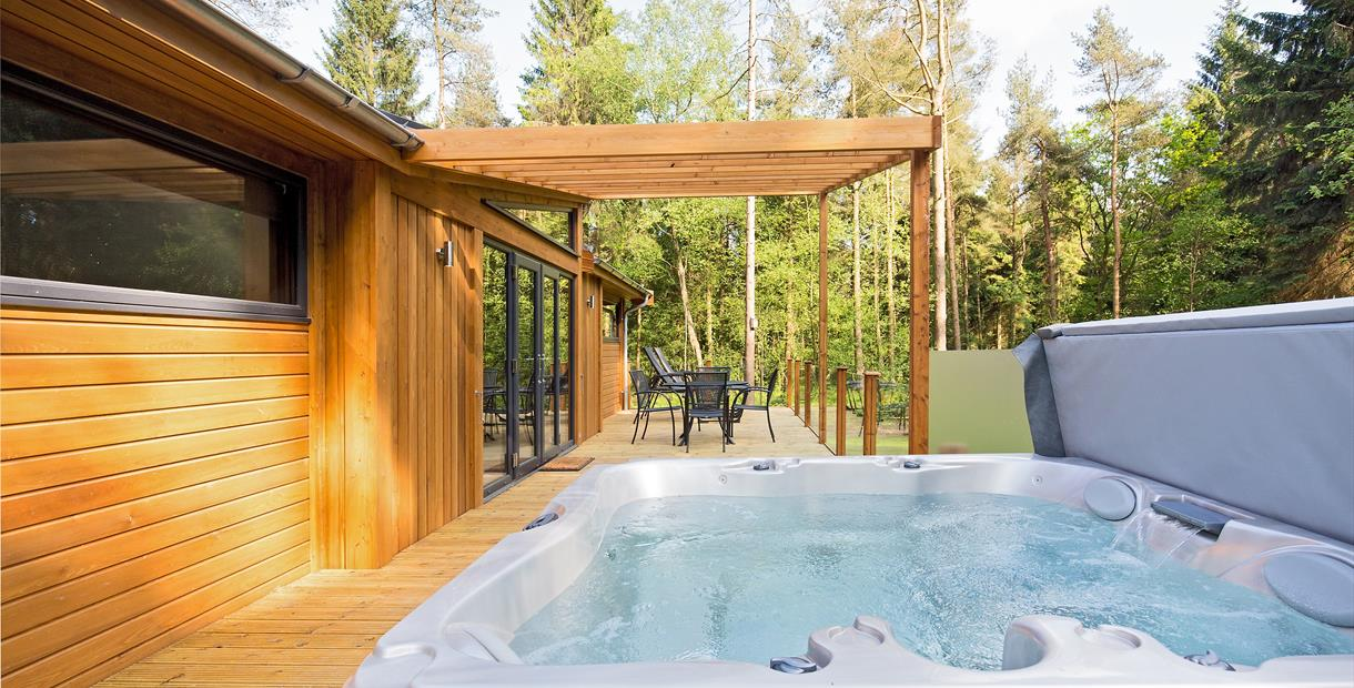 Luxury lodges with hot tubs at Darwin Forest in the Derbyshire Peak District