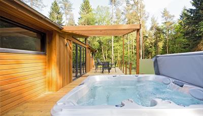 Luxury lodges with hot tubs at Landal Darwin Forest in the Derbyshire Peak District