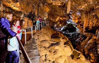 Pooles-Cavern-Buxton-inside-cave-Main-1220-x-620