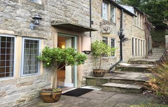 cosy but spacious holiday let in the Peak District village of Froggatt close to Chatsworth and Bakewell